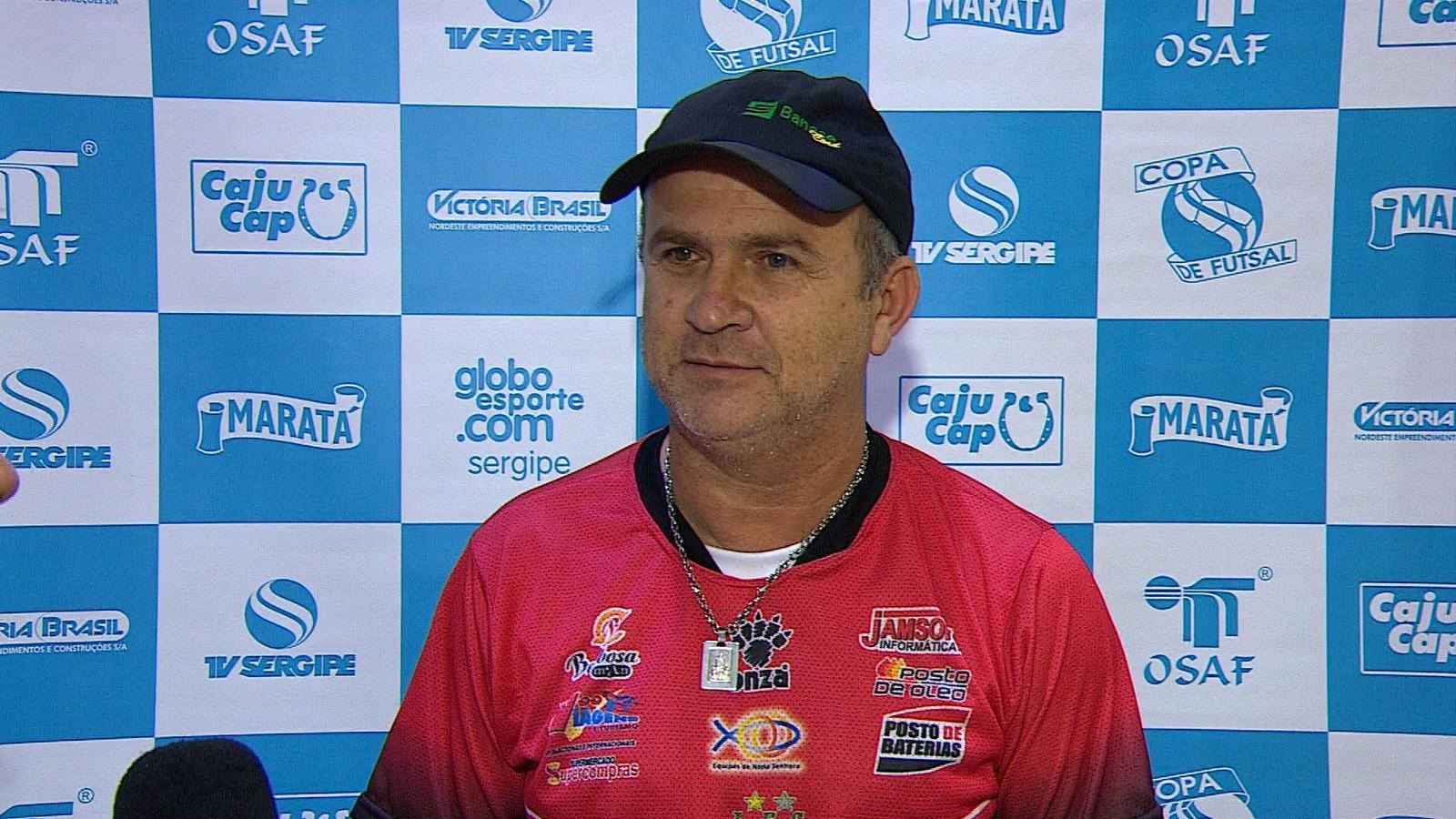 O técnico da seleção de Lagarto, Wilson Mendonça, o Galego