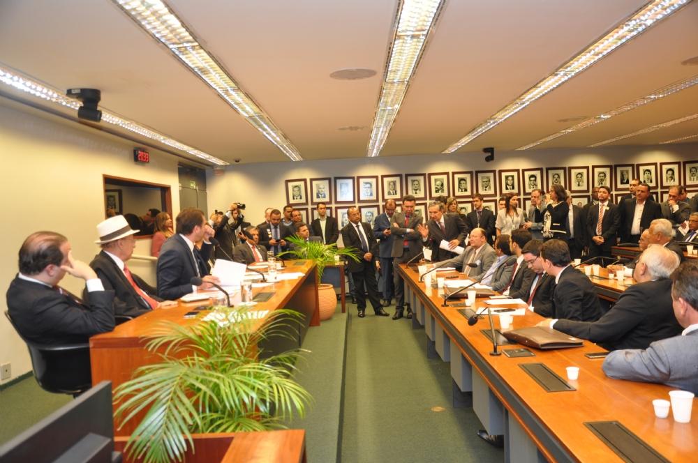 Eduardo Amorim indicou R$ 100 milhões para desenvolvimento urbano (Foto: divulgação)